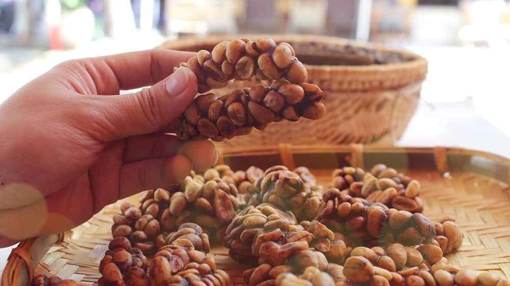 Vietnamese coffee Luwak shit coffee from Animals