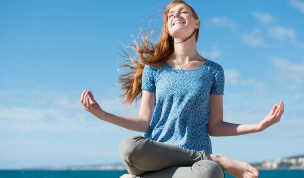 Meditation practice process helps your mind to be in a quiet state, putting aside all worries to focus on the inner breath.