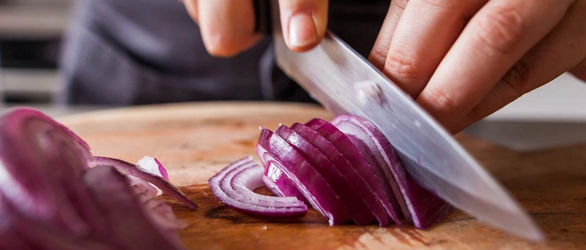 Eat onion for Increase testosterone naturally