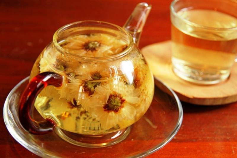 Chrysanthemum tea pot in Vietnam
